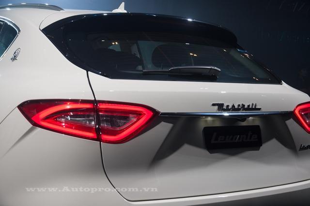 Với trần xe dốc về phía sau, Maserati Levante có hệ số lực cản không khí chỉ 0,31 Cd. Ngoài ra, mẫu SUV hạng sang này còn sở hữu chiều dài tổng thể 5.003 mm, rộng 1.968 mm, cao 1.679 mm và chiều dài cơ sở 3.004 mm.