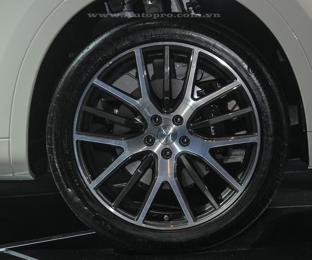 Bộ la-zăng của Maserati Levante có đường kính từ 18 đến 21 inch tùy phiên bản và có nhiều thiết kế khác nhau.