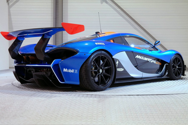 McLaren P1 GTR là mẫu siêu xe chỉ dành cho đường đua, tương tự Aston Martin Vulcan hay Ferrari FXX K. Những mẫu siêu xe này đều có mức giá bán ra không dưới 3 triệu USD ngay khi xuất xưởng.
