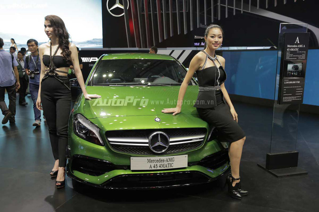 Mercedes-Benz gây choáng ngợp VIMS 2016 bằng dàn xe hot và nhan sắc Hoa hậu Kỳ Duyên - Ảnh 8.