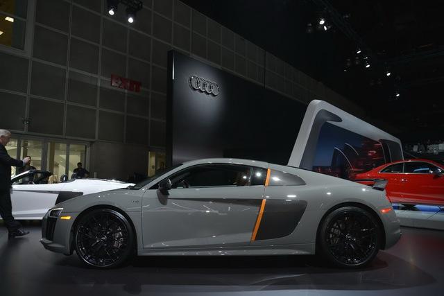 Ngoài những trang bị trên, Audi R8 V10 Plus Exclusive Edition không khác nhiều so với bản tiêu chuẩn đã ra mắt tại thị trường Việt Nam.