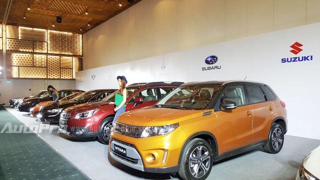 Từ phải qua trái là Suzuki Vitara, Subaru Outback 2.5 và Renault Talisman.