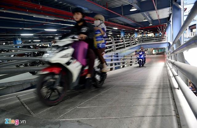 Nhà để xe 5 sao ở sân bay Tân Sơn Nhất - Ảnh 7.