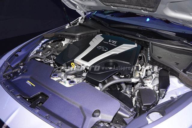 Infiniti Q60 Coupe 2017 giới thiệu tại thị trường Việt Nam sử dụng động cơ V6 mới, Biturbo, dung tích 3.0 lít, sản sinh công suất tối đa 400 mã lực và mô-men xoắn cực đại 475 Nm tại vòng tua máy từ 1.600 vòng/phút.