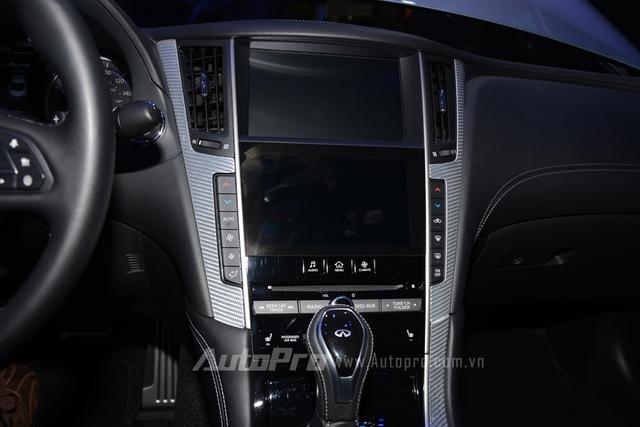Đây là lần đầu tiên hệ thống âm thanh này được dùng cho một mẫu xe thương mại. Đó là còn chưa kể đến hệ thống thông tin giải trí InTuition mới nhất đi kèm hai màn hình cảm ứng.