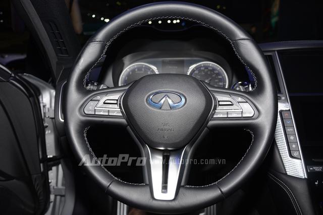 Infiniti Q60 Coupe có 6 chế độ lái khác nhau là Standard, Snow, Eco, Sport, Sport+ và Customize.