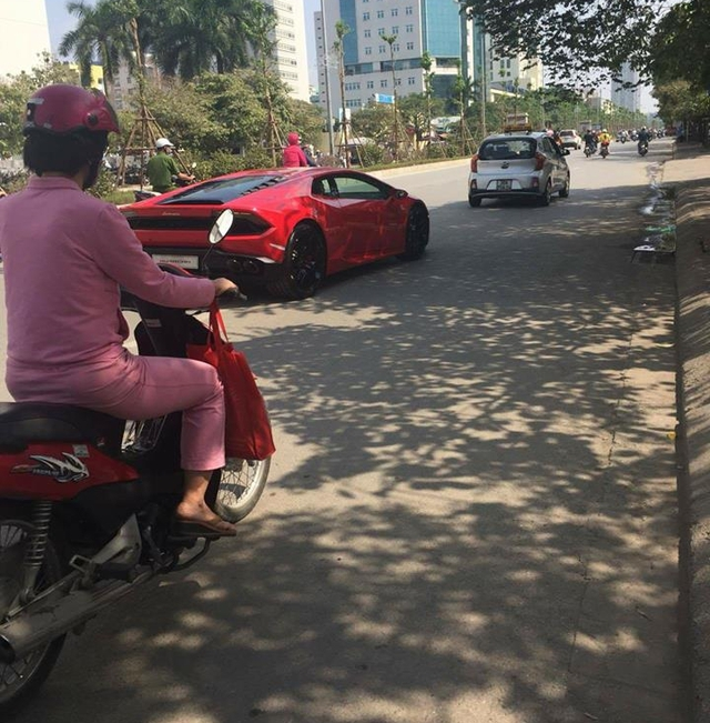 Lamborghini Huracan LP580-2 đầu tiên tại Việt Nam về tay chủ với giá 16,5 tỷ Đồng - Ảnh 2.