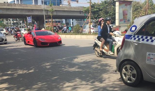 Lamborghini Huracan LP580-2 đầu tiên tại Việt Nam về tay chủ với giá 16,5 tỷ Đồng - Ảnh 1.