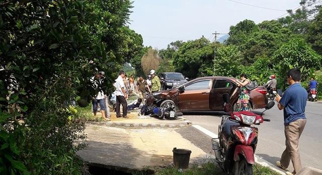 Hiện trường vụ tai nạn Yamaha Exciter 150 đâm vào Toyota Corolla Altis.
