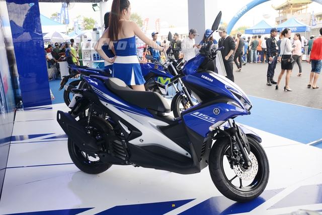 Về ngoại hình, Yamaha NVX 155 có thiết kế theo hình chữ X, thể hiện rõ hai đặc tính nổi bật là sức mạnh vận hành và khả năng kiểm soát.