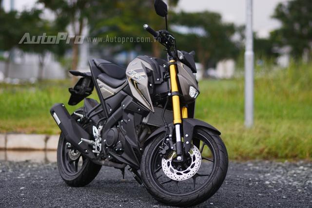 Yamaha TFX150 được xem là phiên bản naked bike của dòng mô tô thể thao R15. Xe có kích thước tổng thể bao gồm chiều dài 1.955 mm, rộng 795 mm, cao 1.065 mm và chiều dài cơ sở 1.350 mm.