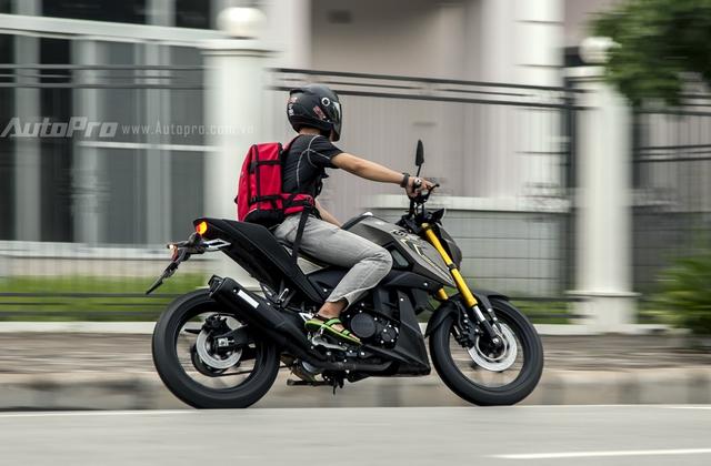 Trên thực tế, mẫu naked bike TFX 150 đã được đưa về nước vào đầu tháng 1/2016 nhưng dưới dạng nhập khẩu không chính hãng và mang tên gọi M-Slaz tại thị trường nước ngoài. Mức giá khi đó của xe vào khoảng 110 đến 120 triệu Đồng.