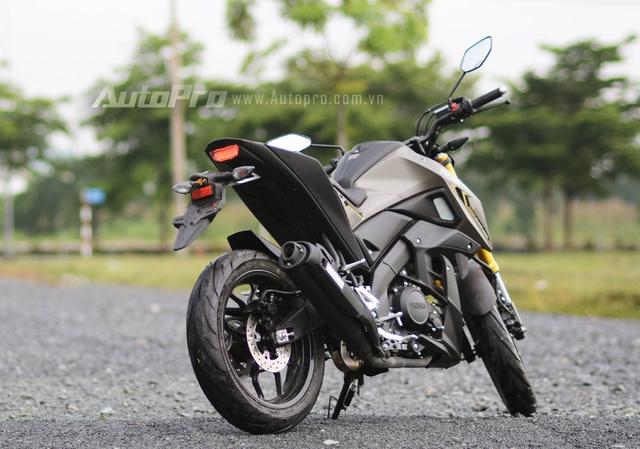 Động thái phân phối chính hãng chiếc naked bike 150 phân khối này của Yamaha Việt Nam được cho mang đến sự lựa chọn đa dạng hơn cũng như đón đầu xu thế các bạn trẻ Việt ngày càng ưa chuộng những mẫu xe có thiết kế thể thao và hầm hố nhưng giá tiền lại dao động dưới 100 triệu Đồng.