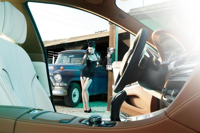 Chân dài siêu quyến rũ khoe dáng bên 6-Series Gran Coupe 10
