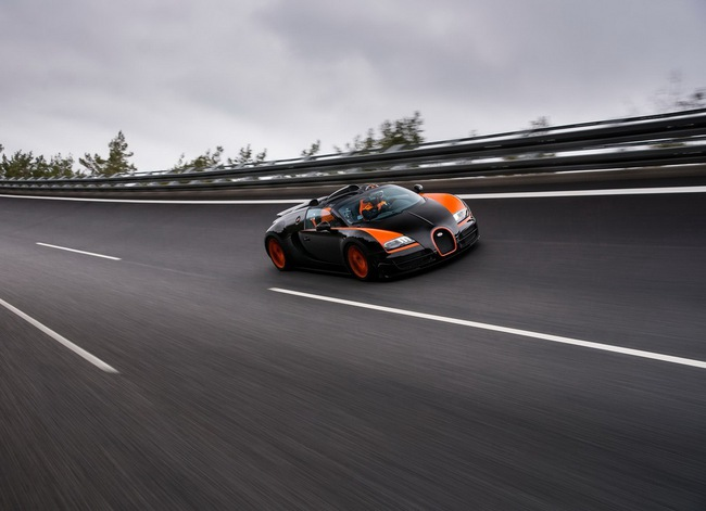 Xem Veyron Grand Sport Vitesse lập kỷ lục tốc độ 11