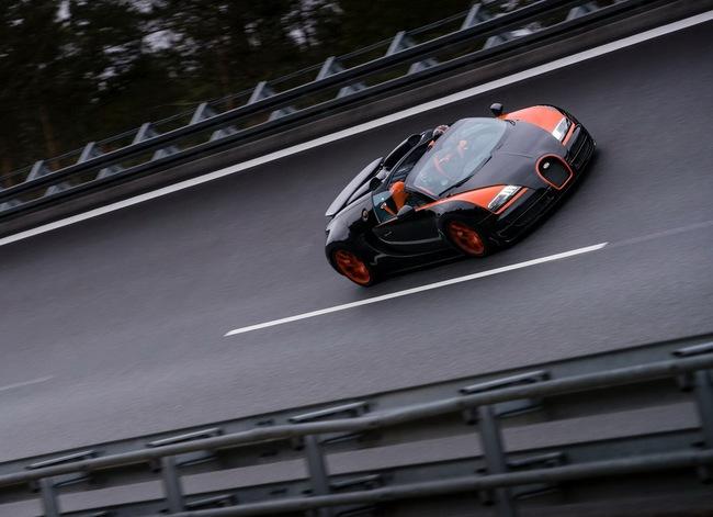 Xem Veyron Grand Sport Vitesse lập kỷ lục tốc độ 12