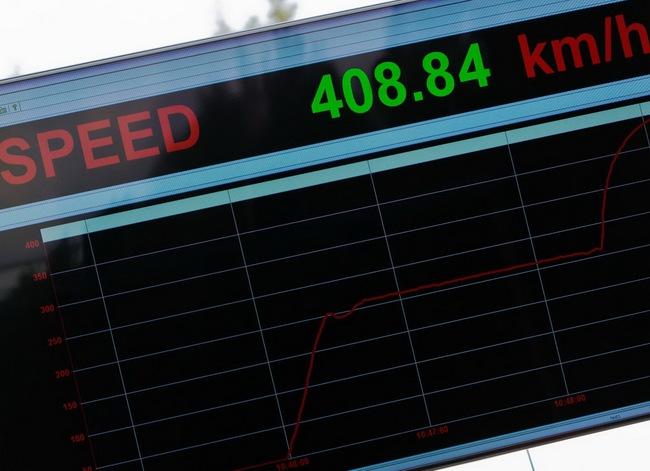 Xem Veyron Grand Sport Vitesse lập kỷ lục tốc độ 16