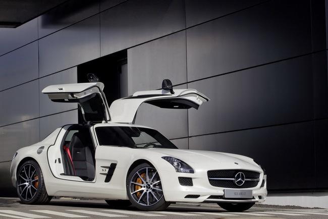 Mercedes-Benz công bố giá bán SLS AMG GT và Black Series tại Anh quốc 1