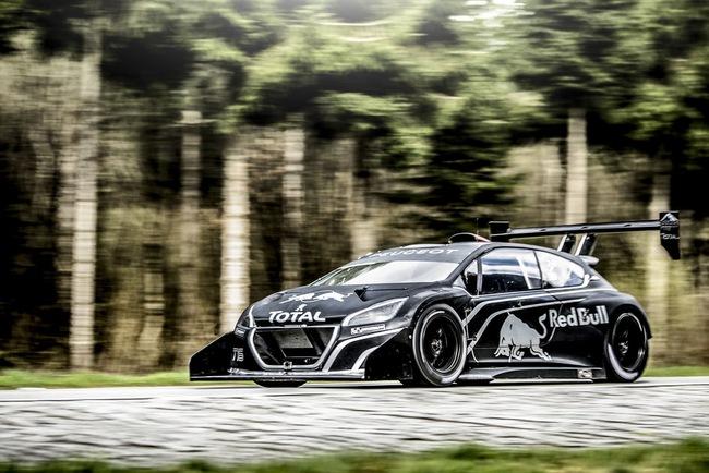Peugeot 208 T16: Bugatti Veyron SuperSport không phải đối thủ 3