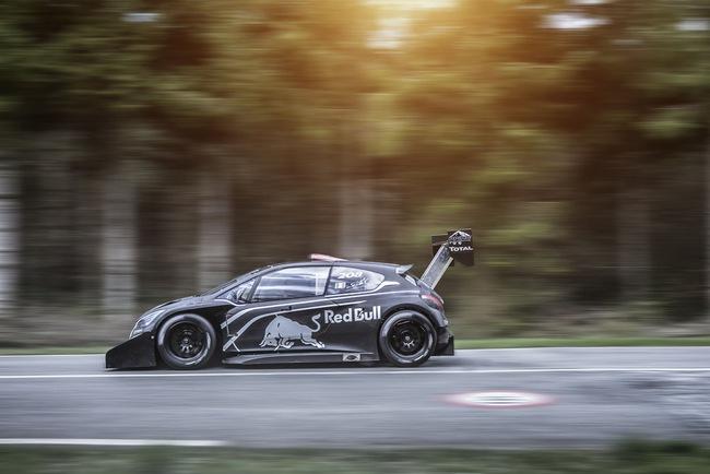 Peugeot 208 T16: Bugatti Veyron SuperSport không phải đối thủ 8