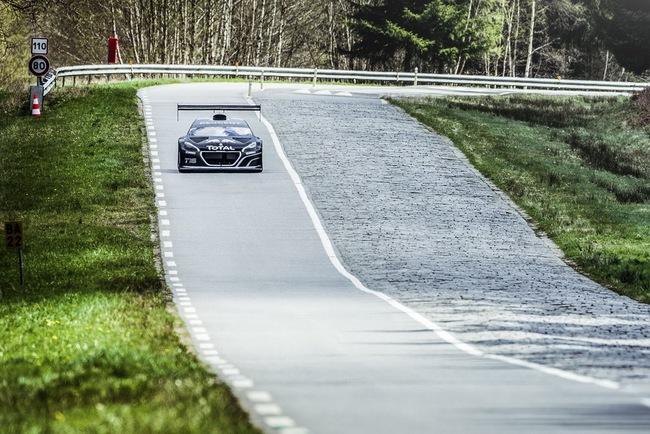 Peugeot 208 T16: Bugatti Veyron SuperSport không phải đối thủ 10