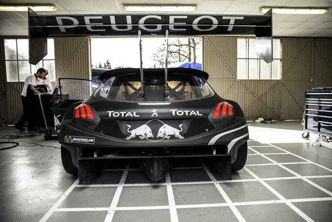 Peugeot 208 T16: Bugatti Veyron SuperSport không phải đối thủ 12