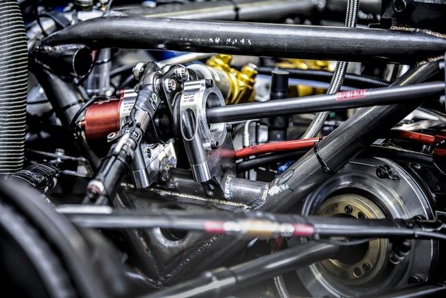 Peugeot 208 T16: Bugatti Veyron SuperSport không phải đối thủ 23
