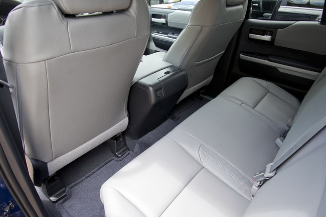 Toyota Tundra 2014 có giá từ 25.920 USD 8