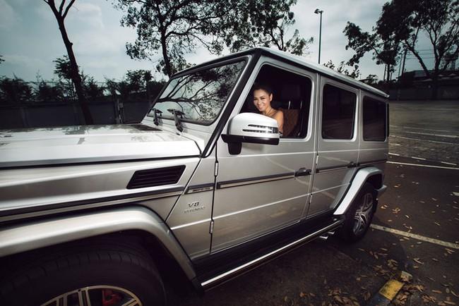 Thu Minh khoe lưng trần bên Mercedes-Benz G63 AMG  8