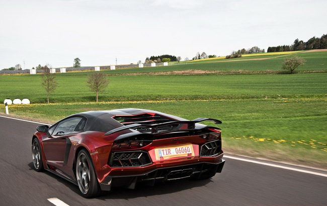 Lamborghini Aventador: Kỳ quan mới trong thế giới xe độ 6