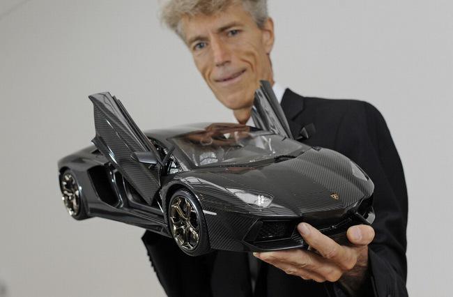 Lamborghini Aventador phiên bản vàng tăng giá lên 10,5 triệu Euro 11