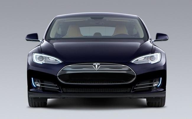 Tesla Model S chỉ mất 2,5 lít xăng cho 100 km 1