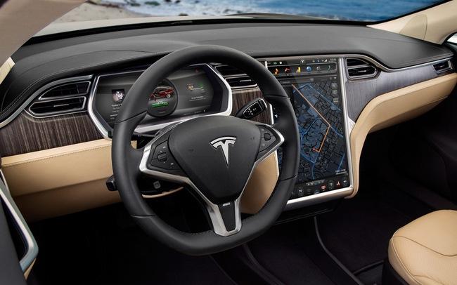 Tesla Model S chỉ mất 2,5 lít xăng cho 100 km 4