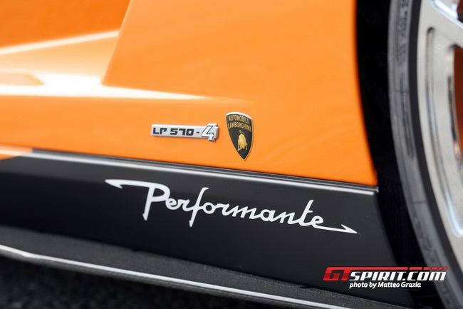 Lamborghini tổ chức offline đầu năm 13