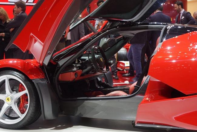 Pirelli phát triển lốp đặc biệt cho LaFerrari 14
