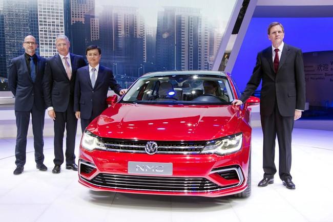 Mercedes-Benz CLA gọi, Volkswagen New Midsize Coupe trả lời 4