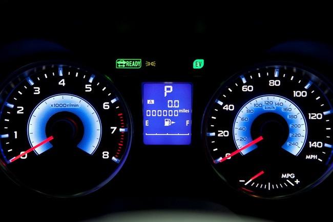 Subaru XV Crosstrek Hybrid có giá từ 25.995 USD 8