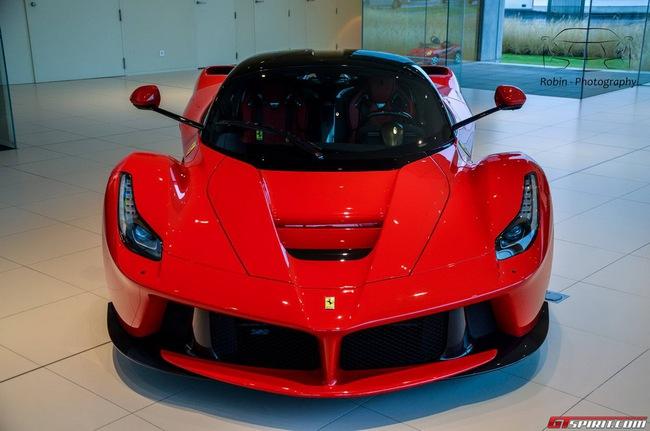Siêu xe Ferrari LaFerrari đầu tiên đến Bỉ 2