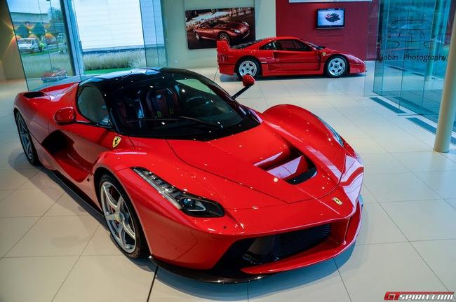 Siêu xe Ferrari LaFerrari đầu tiên đến Bỉ 3