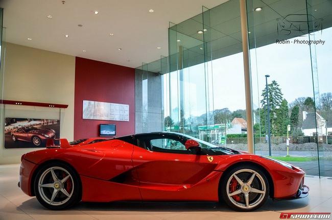 Siêu xe Ferrari LaFerrari đầu tiên đến Bỉ 5