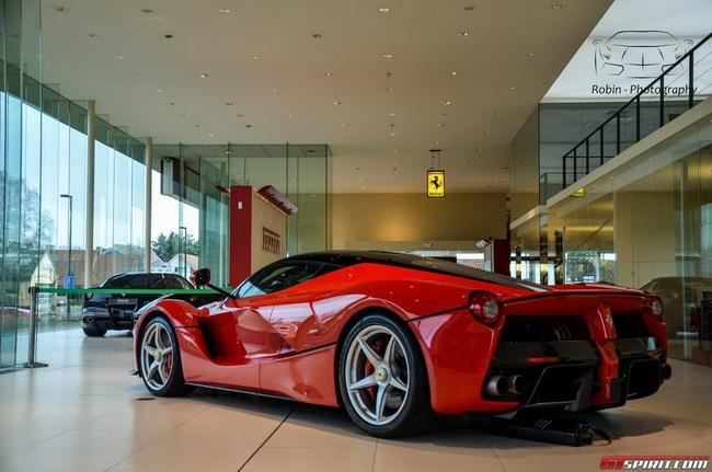 Siêu xe Ferrari LaFerrari đầu tiên đến Bỉ 7