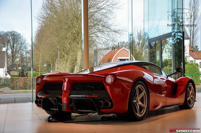 Siêu xe Ferrari LaFerrari đầu tiên đến Bỉ 8
