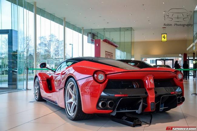 Siêu xe Ferrari LaFerrari đầu tiên đến Bỉ 9