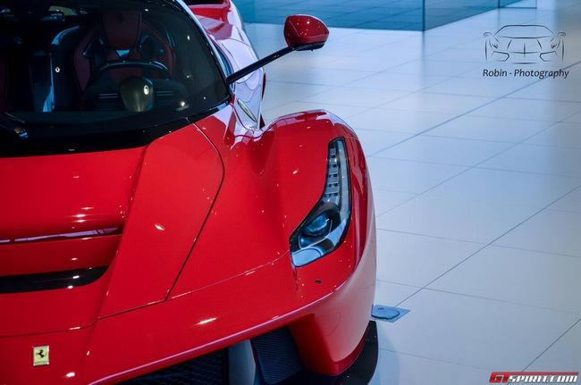 Siêu xe Ferrari LaFerrari đầu tiên đến Bỉ 13
