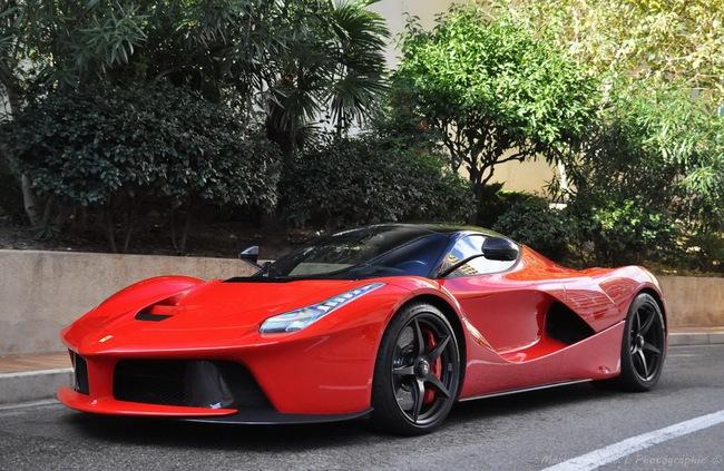Alonso và Raikkonen sẽ được tặng siêu xe LaFerrari nếu vô địch F1 8