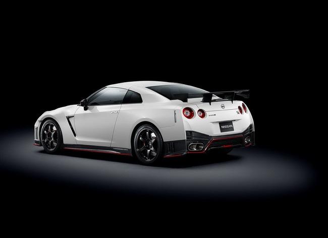 Nissan sắp trình làng 10 mẫu xe mới 2