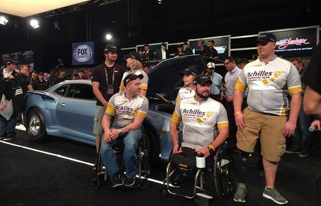 1,3 triệu USD cho cặp đôi Chevrolet Camaro đầu tiên xuất xưởng 2