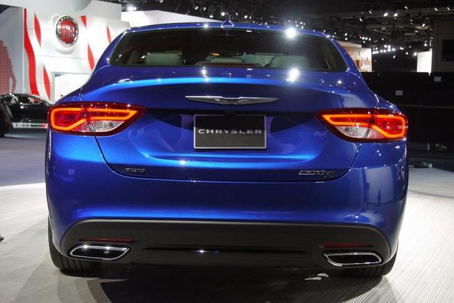 Chrysler 200 2015 chính thức trình làng với diện mạo mới 2