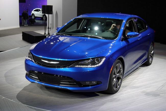 Chrysler 200 2015 chính thức trình làng với diện mạo mới 3