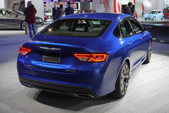 Chrysler 200 2015 chính thức trình làng với diện mạo mới 4